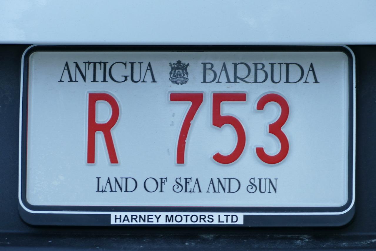 03. Antigua, plaque d'immatriculation des voitures