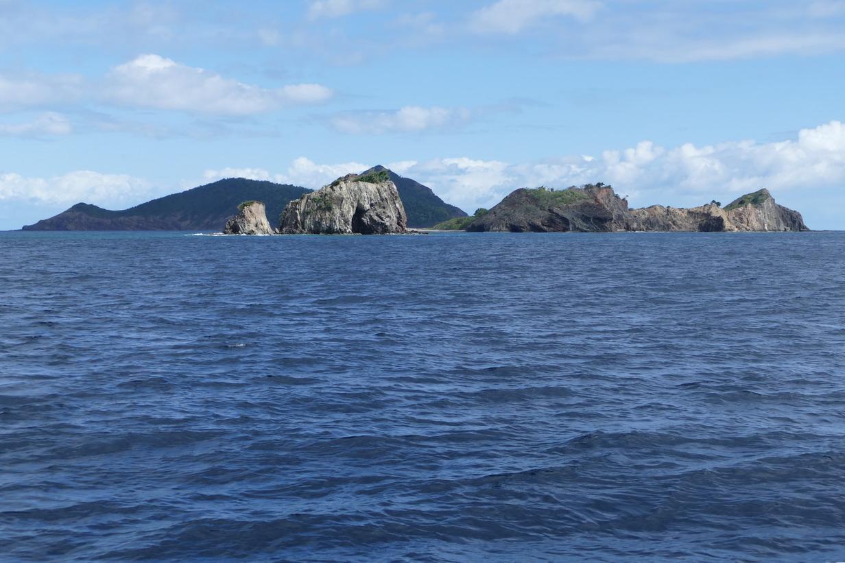 03. L'archipel des Saintes et sa ceinture rocheuse au sud