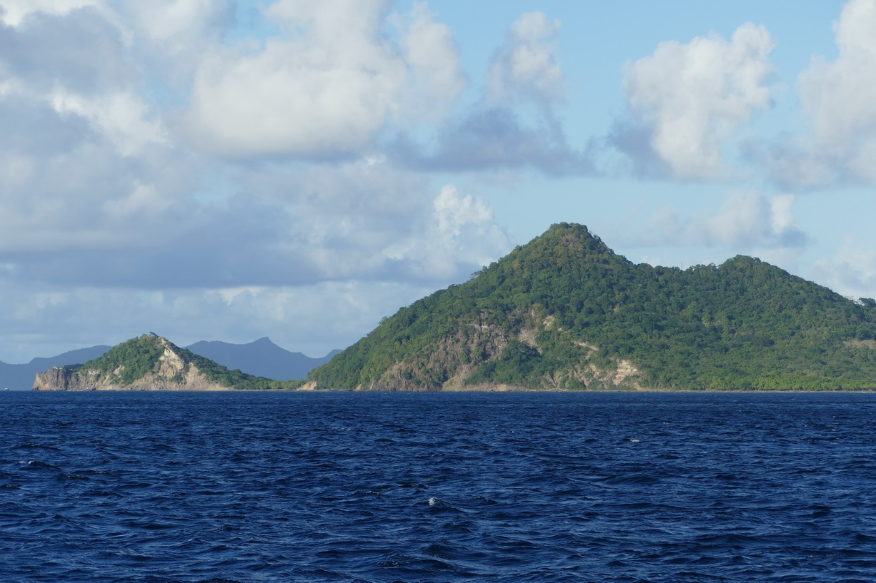 04. Carriacou avec, au second plan, l'île d'Union, une Grenadine appartenant à St Vincent
