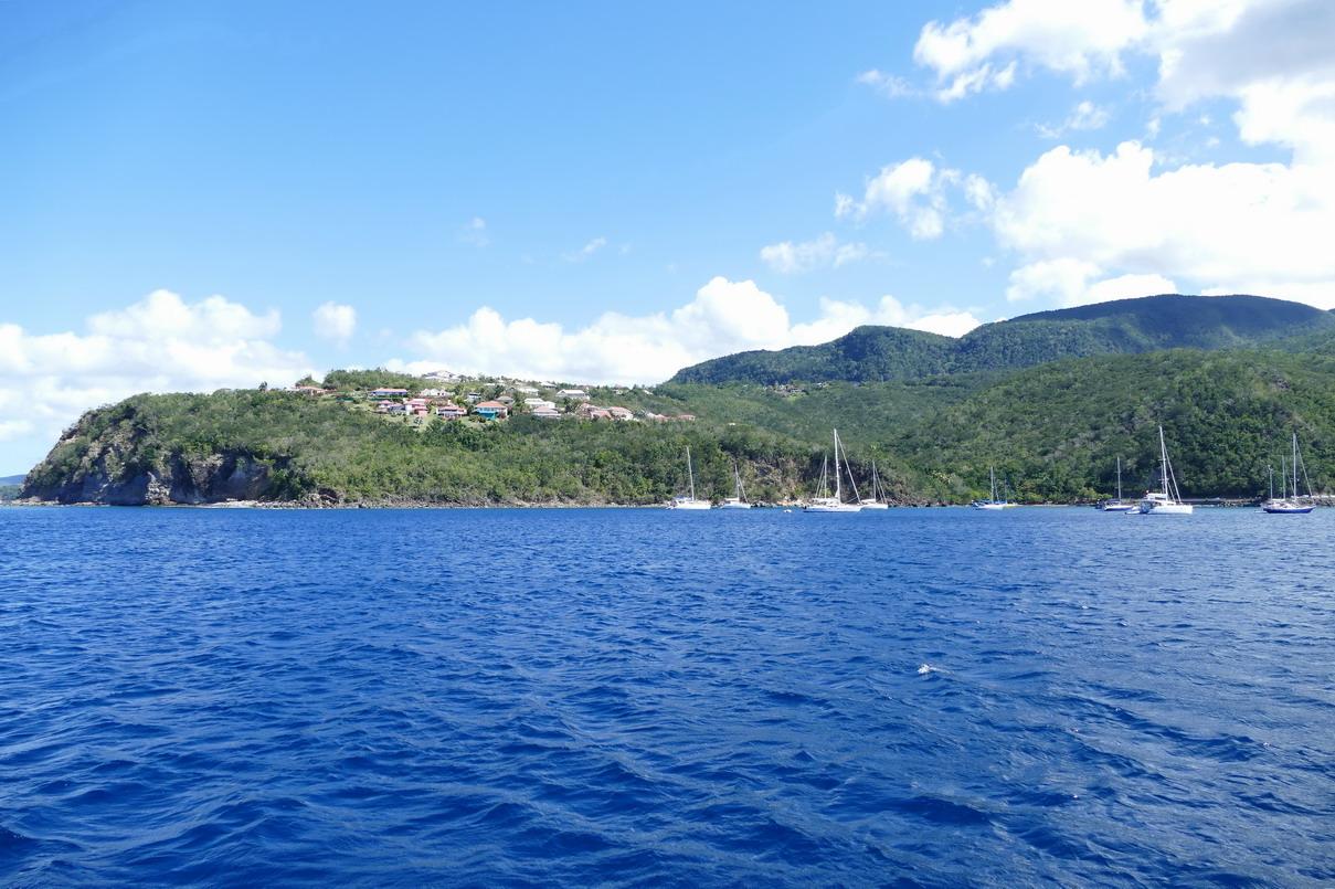 05. La Guadeloupe ; mouillage sous le cap Malendure