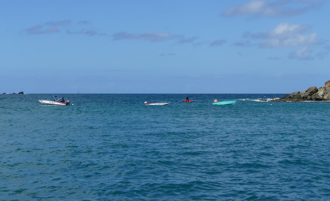 05. Mayreau, Salt whistle bay, les boat boys attendent fébrilement...