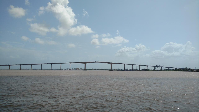 05. Pont sur le Suriname (tirant d'air = 40 m)