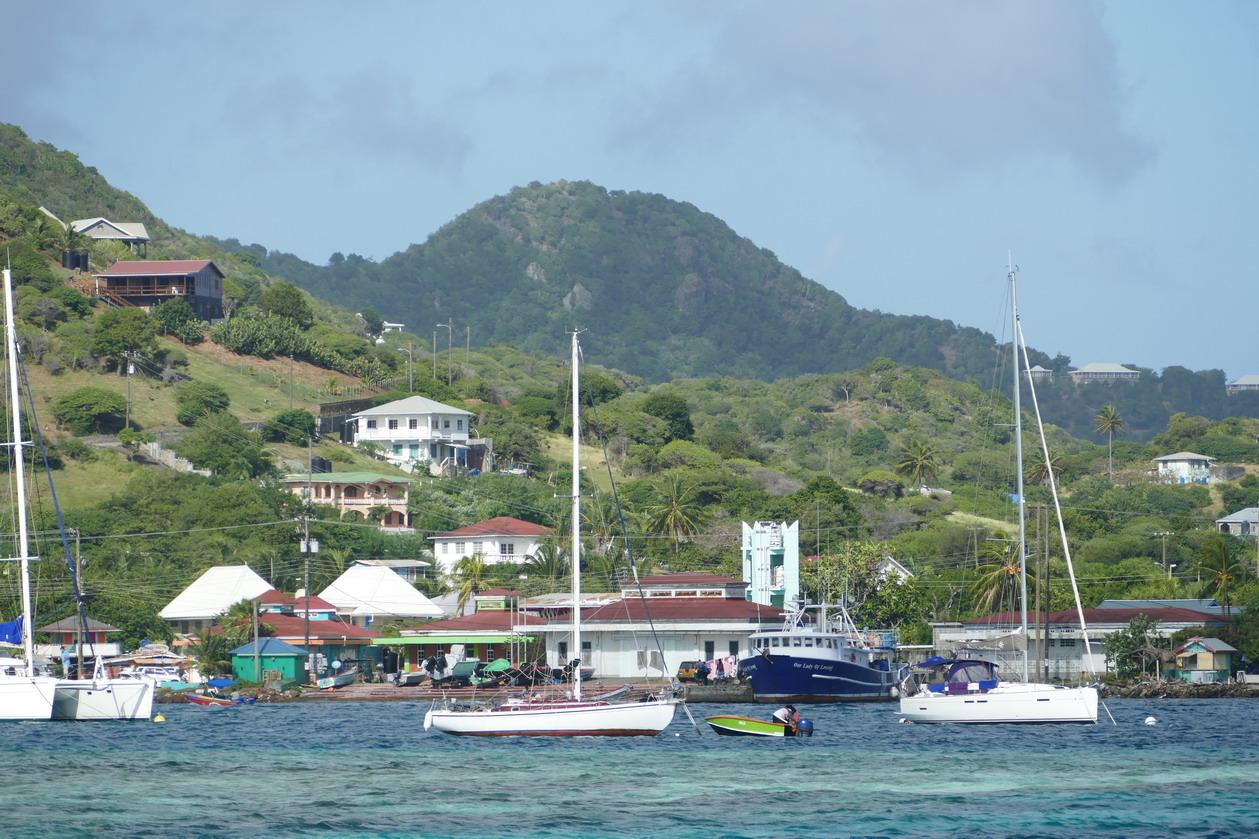 06. Le mouillage de Clifton harbour