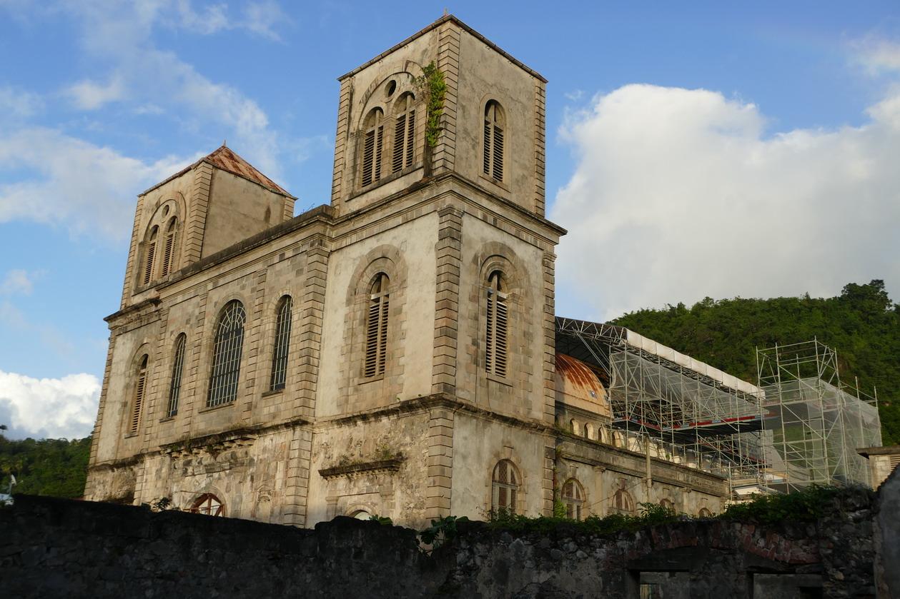 07. L'église en travaux
