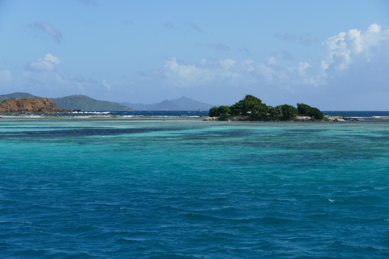 08. La ceinture de corail avec vue sur les îles de Mayreau et de Canouan
