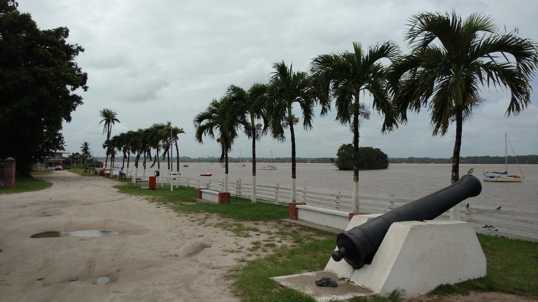 09. Sur la rive