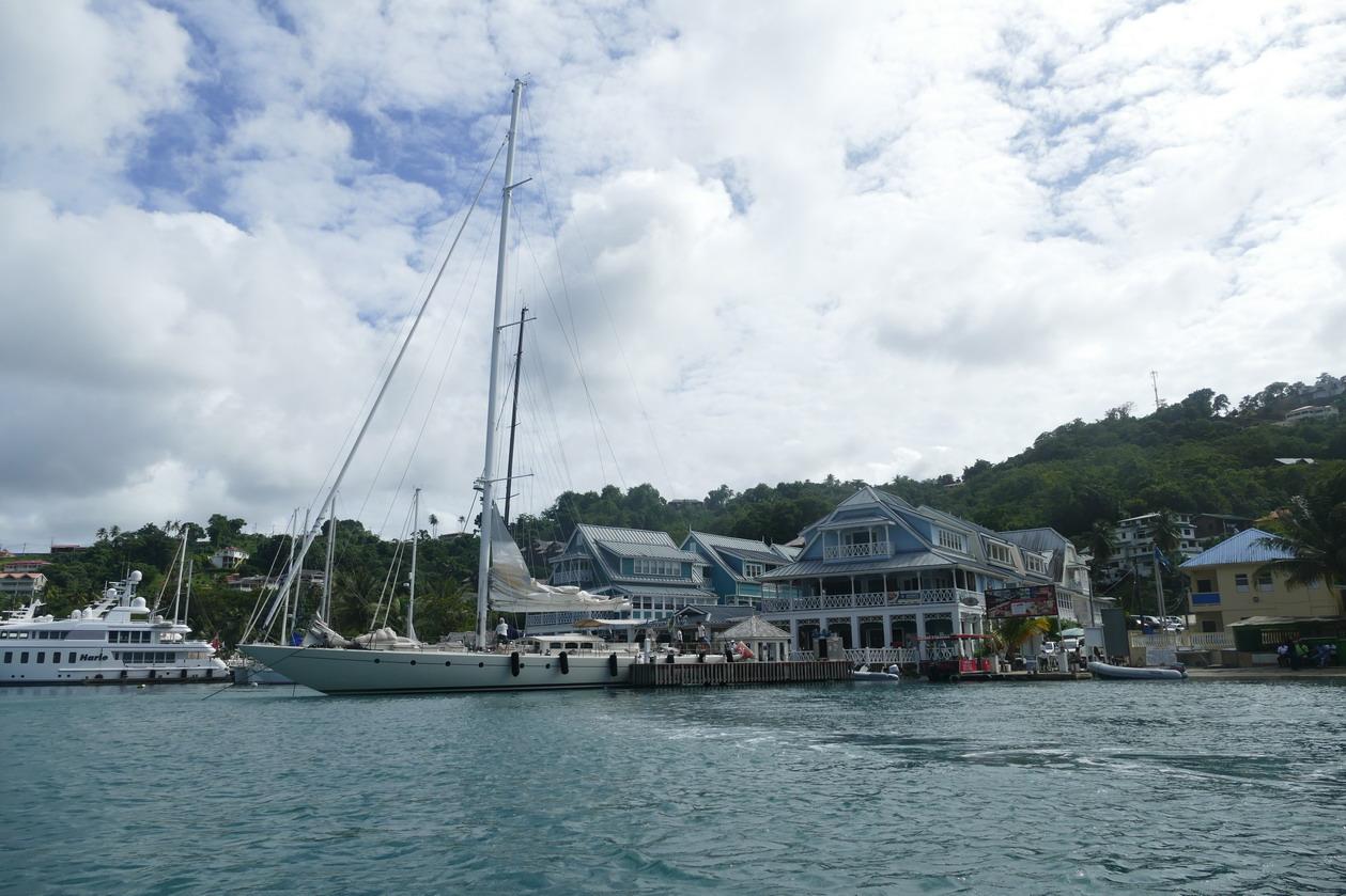 10. Ste Lucie, Marigot harbour, un superbe voilier