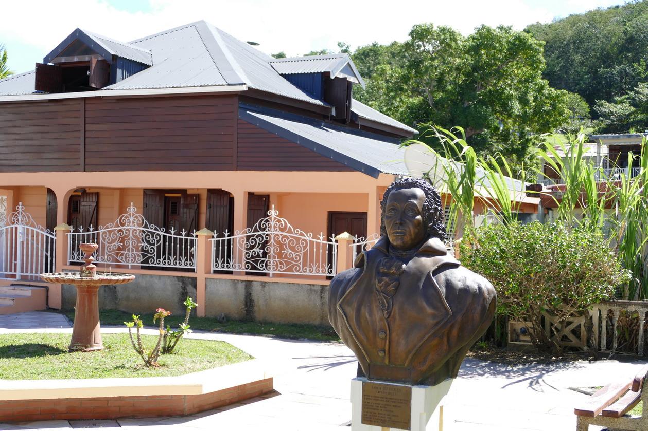 11. La Guadeloupe ; Louis Delgrès s'est battu vaillamment contre les troupes envoyées par Napoléon pour rétablir l'esclavage
