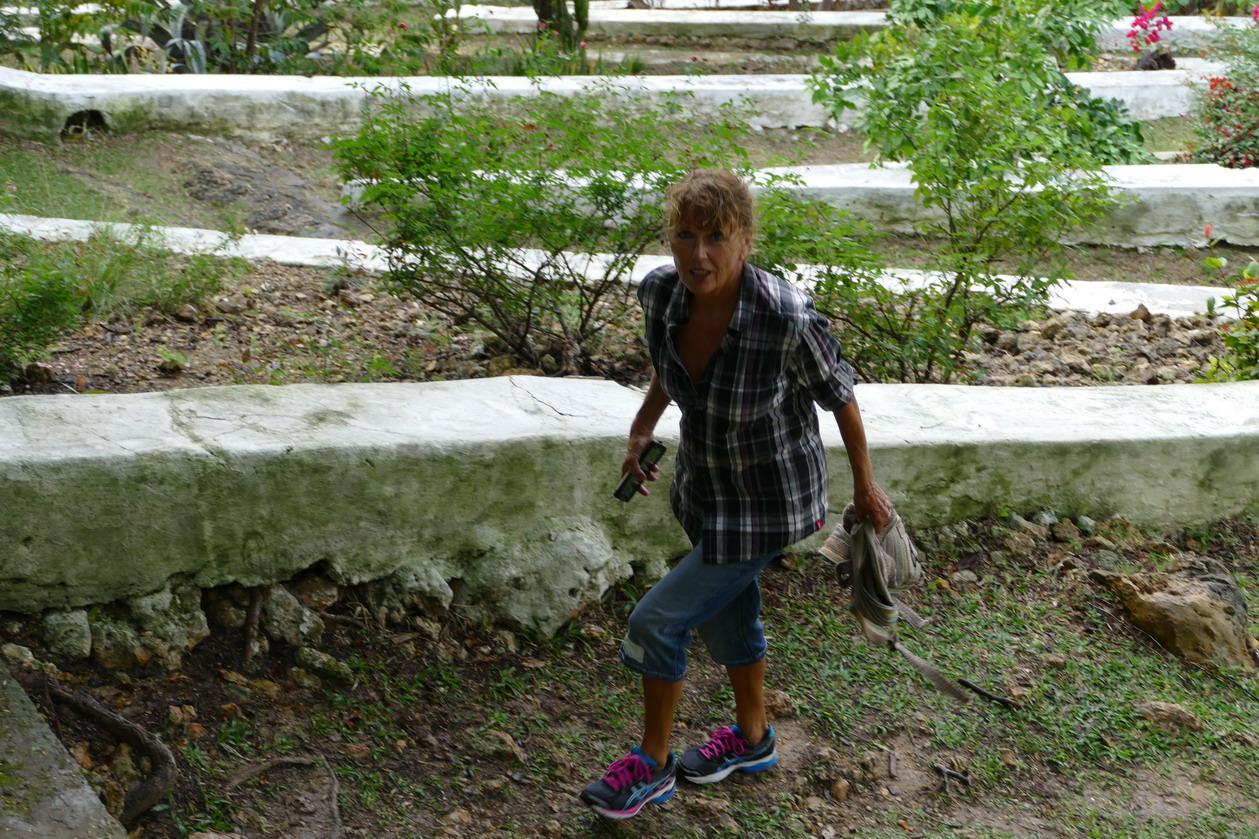 13. La Martinique, le calvaire de Ste Anne ; quel calvaire !