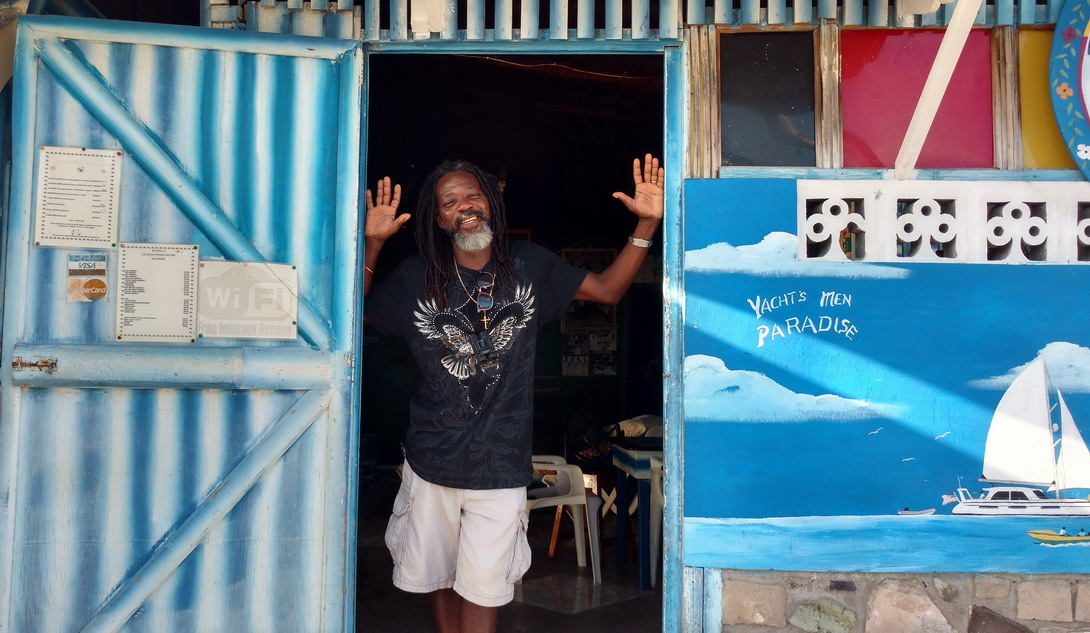 14. Mayreau, village de Tarzan, bar restaurant d'artiste