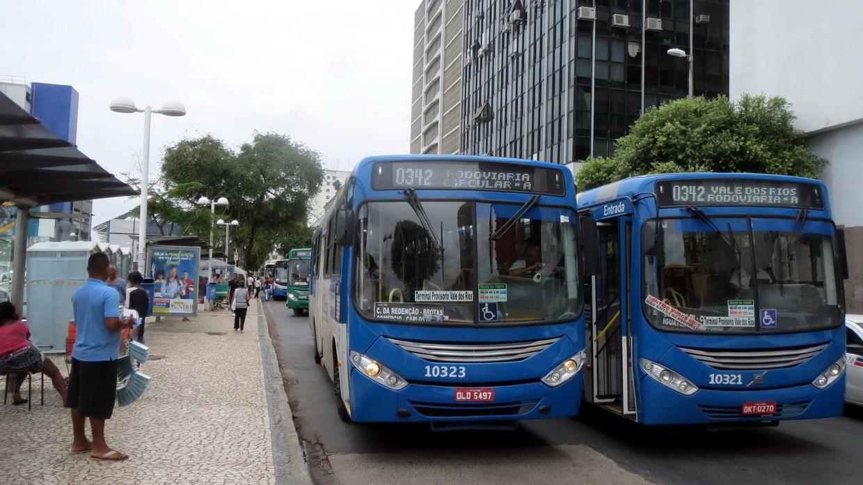 15. SdB, tous les bus s'arrêtent ici, mais on ne sait jamais où, à 100 m près