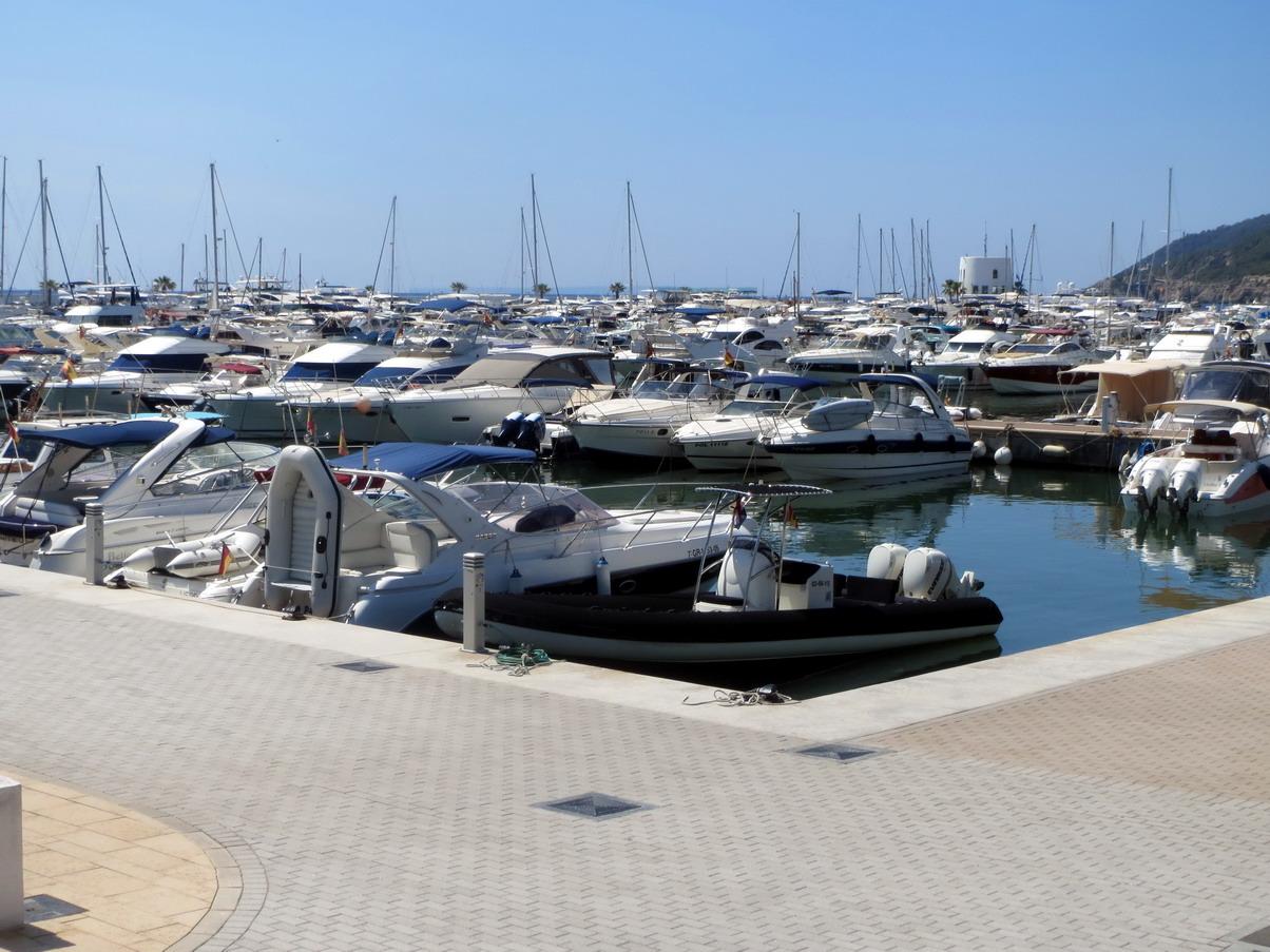 15. Santa Eulalia, un véritable parking à bateaux