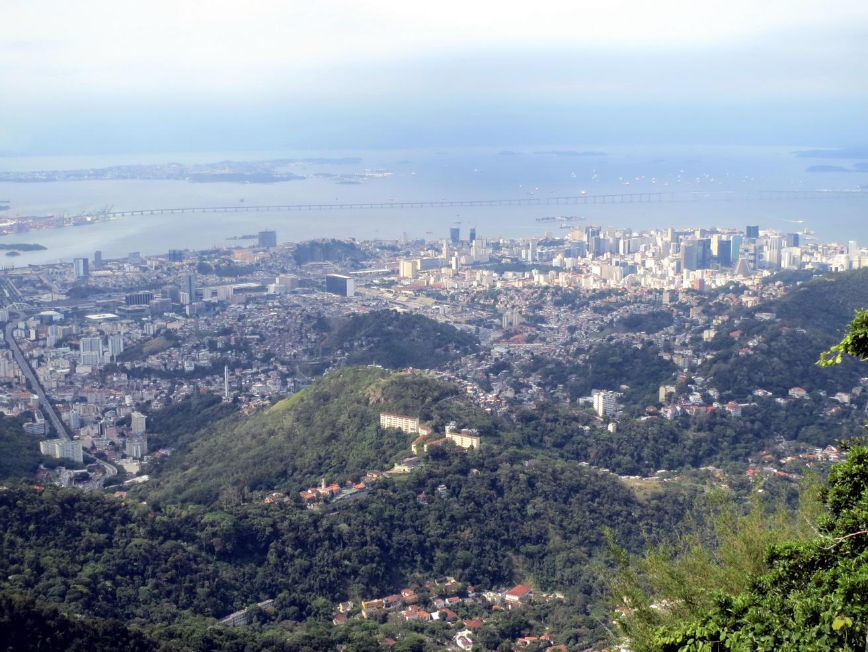 16. La ville et le pont de Niteroi vu du Corcovado