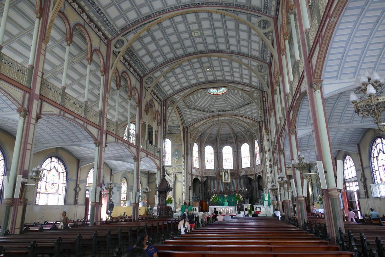 17. Fort-de-France ; la cathédrale