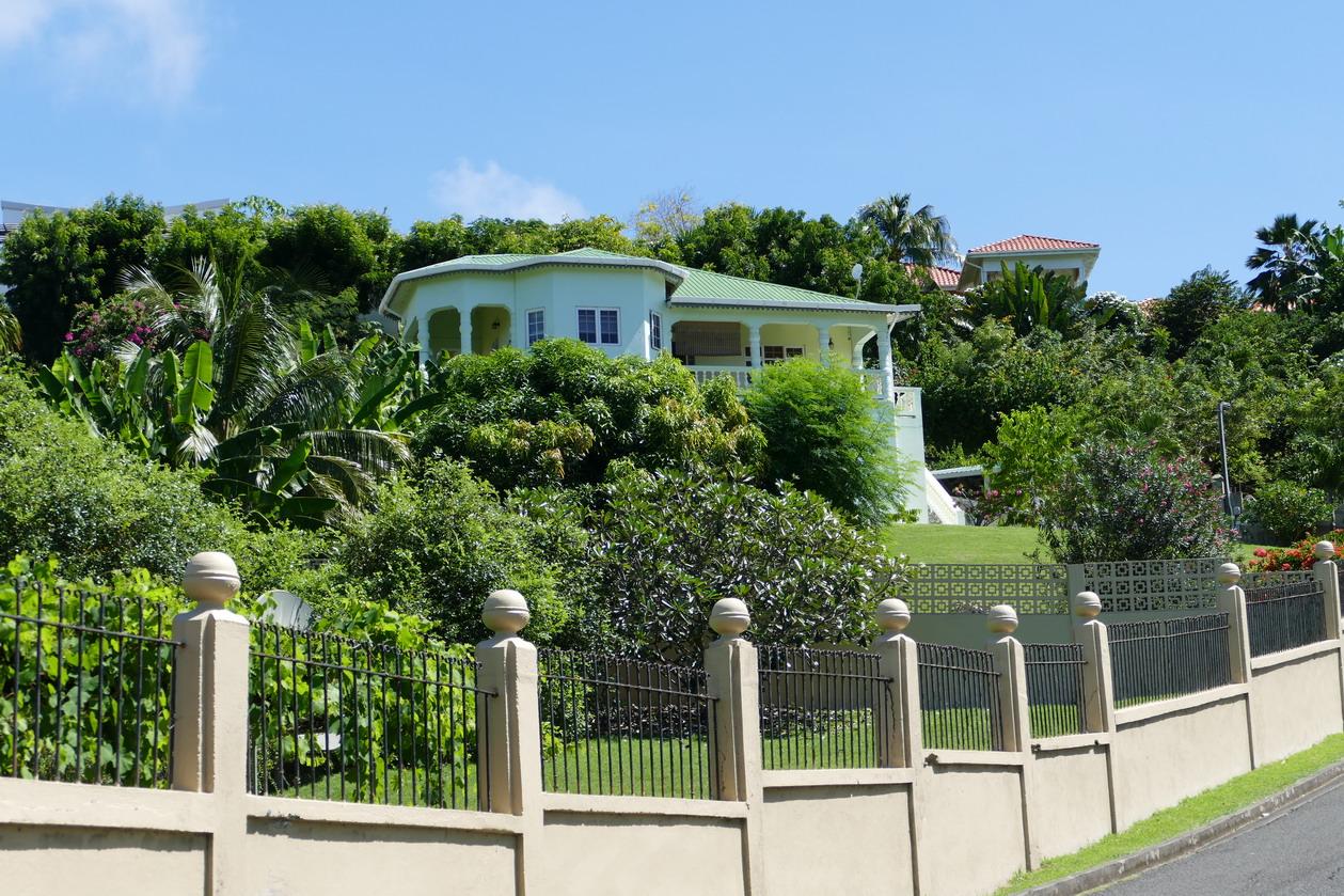 21. Villa autour de Prickle bay