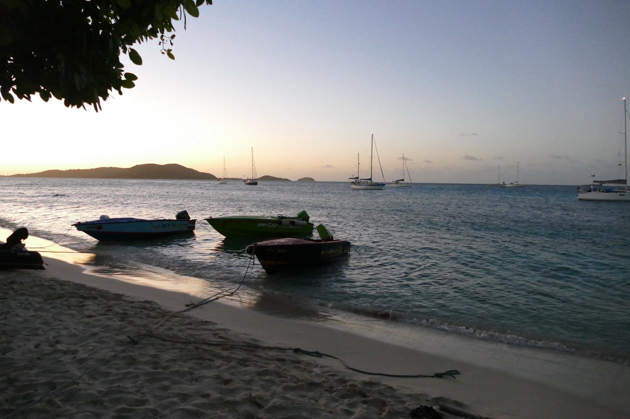 22. Les Tobago cays, vue sur Mayreau