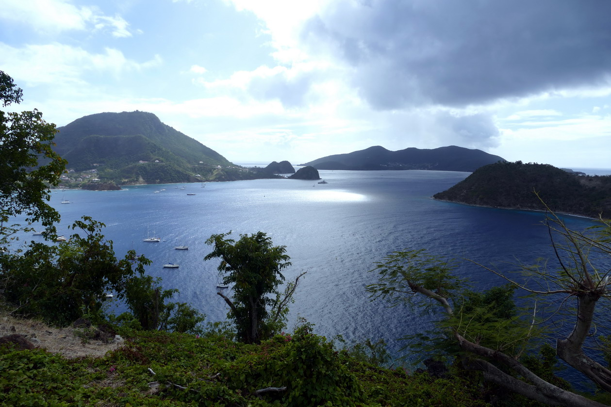 23. L'archipel des Saintes ; la Grande baie