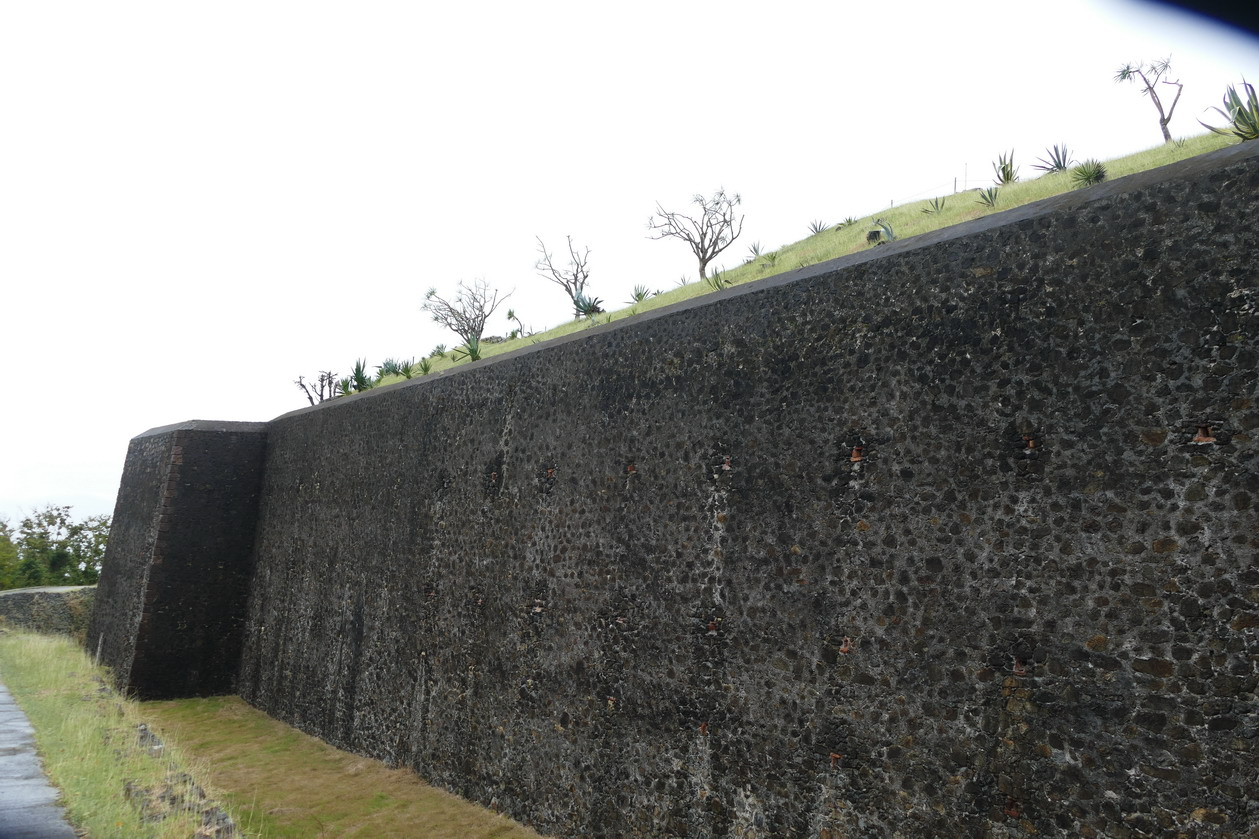 29. L'archipel des Saintes ; le fort Napoléon