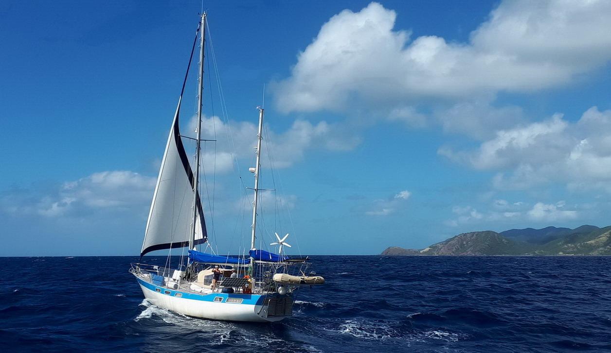 29. Vers Jolly harbour sous génois seul, 25 nds de vent