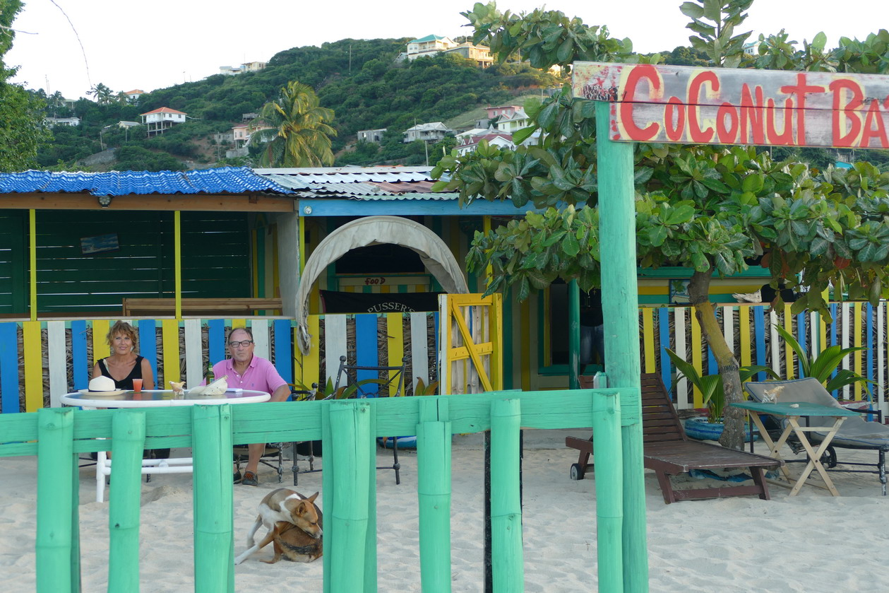 34. Canouan, Charlestown bay, notre adresse locale