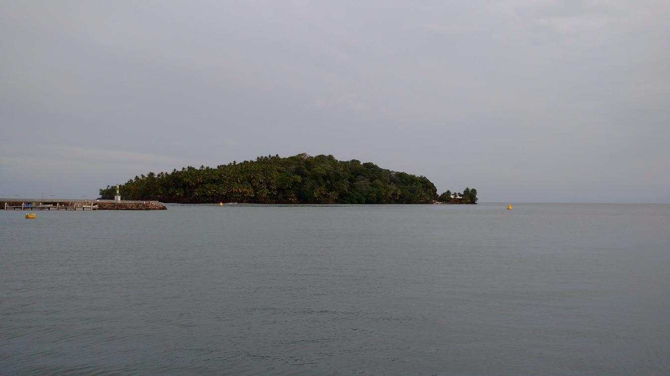 35. Île St Joseph