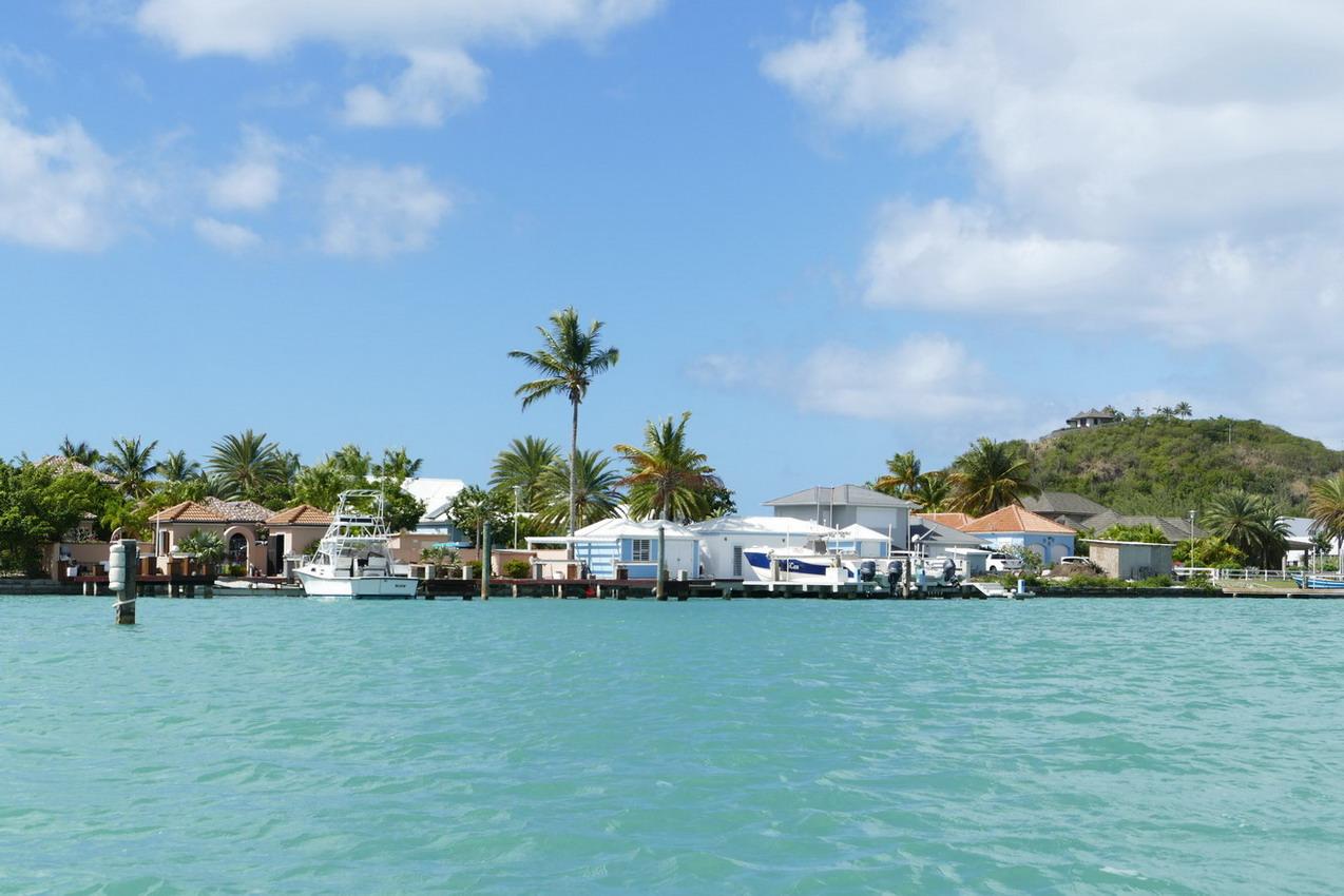37. Antigua, la lagune de Jolly harbour
