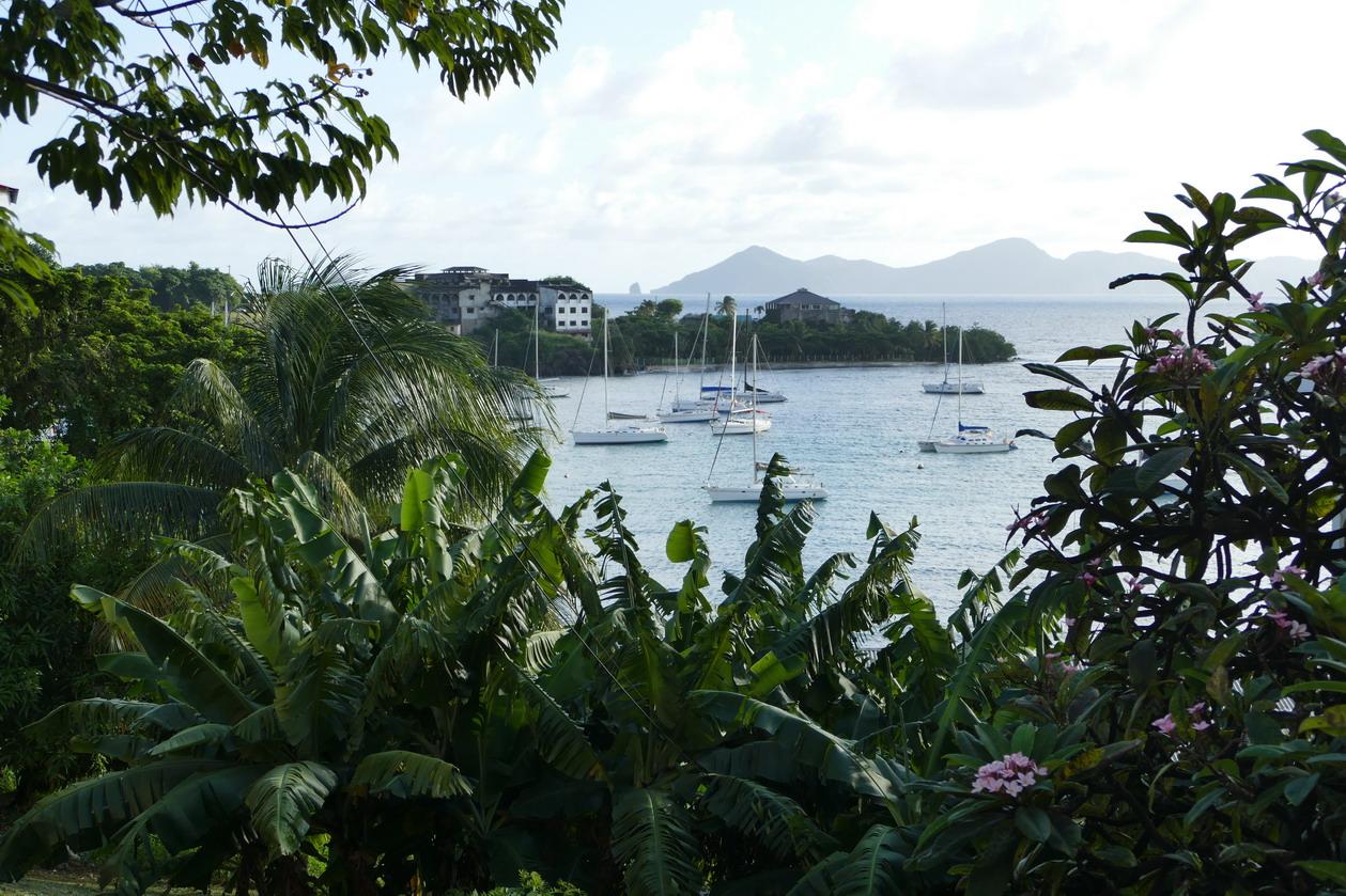 37. St Vincent, Blue lagoon