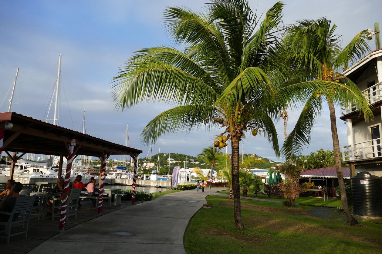 37. Ste Lucie, Rodney bay, la marina IGY, les restaurants au bord de l'eau