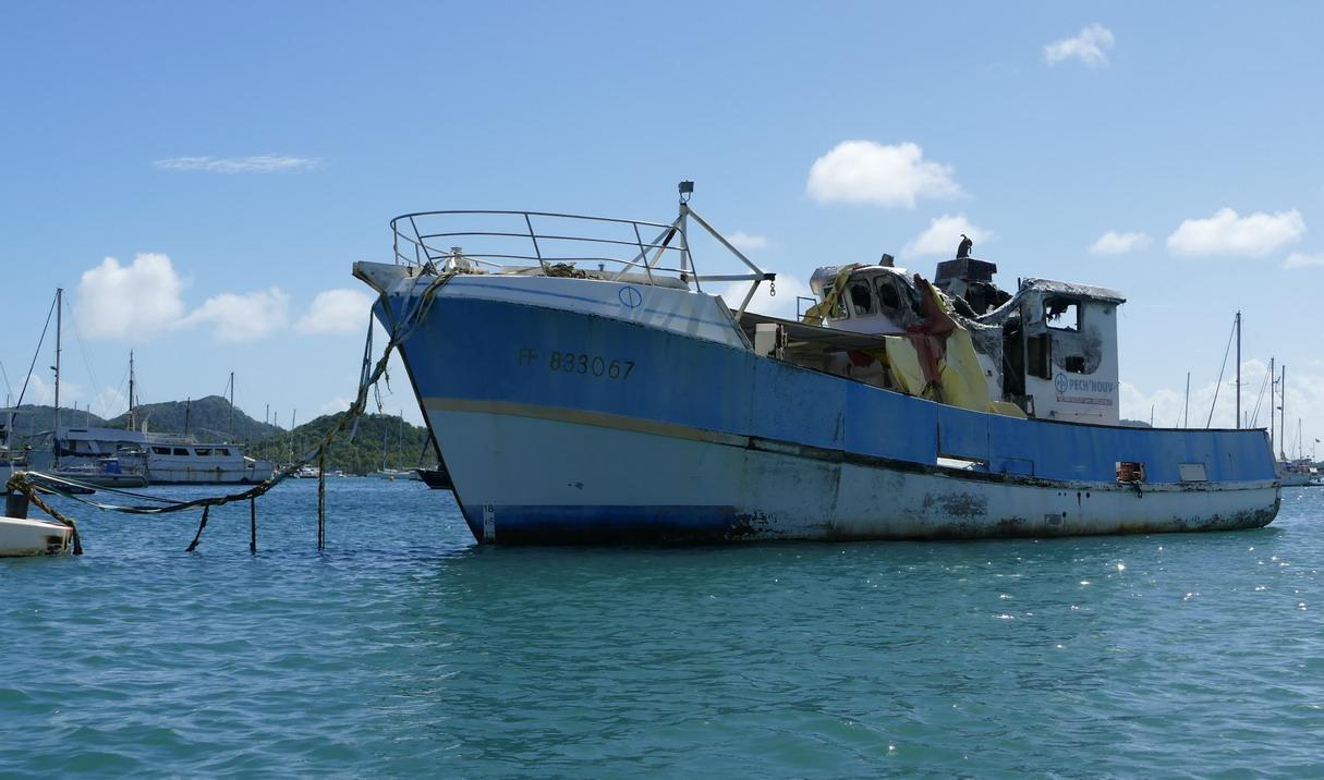 38. La Martinique, le Marin ; après un incendie
