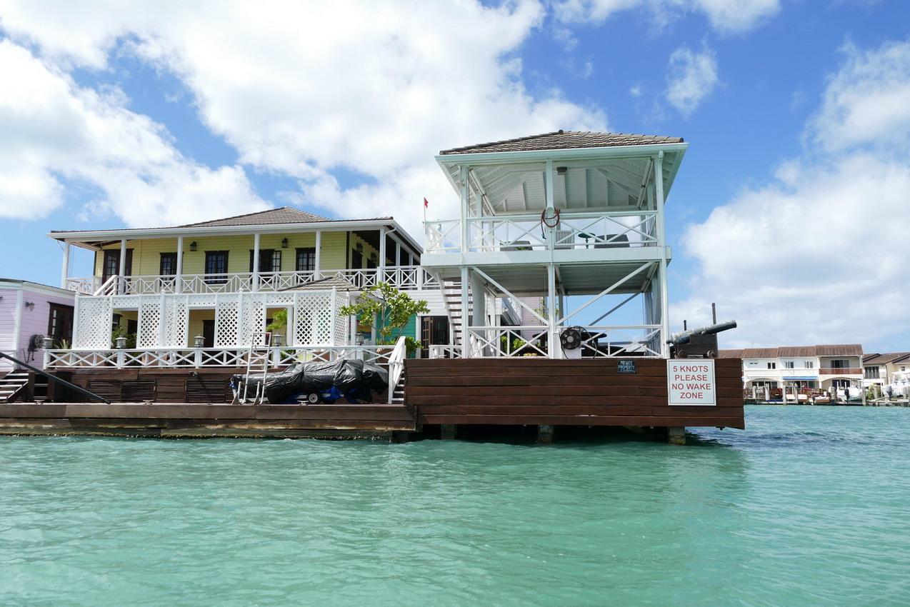 40. Antigua, la lagune de Jolly harbour