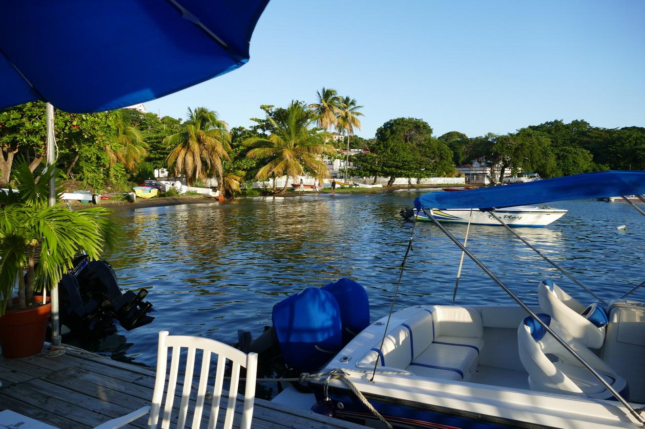 40. St Vincent, Blue lagoon