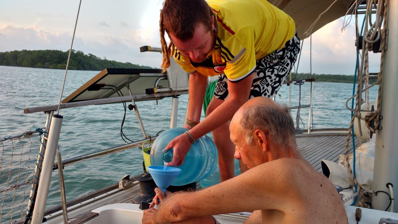 47. Bidonnage d'eau, un exercice obligé