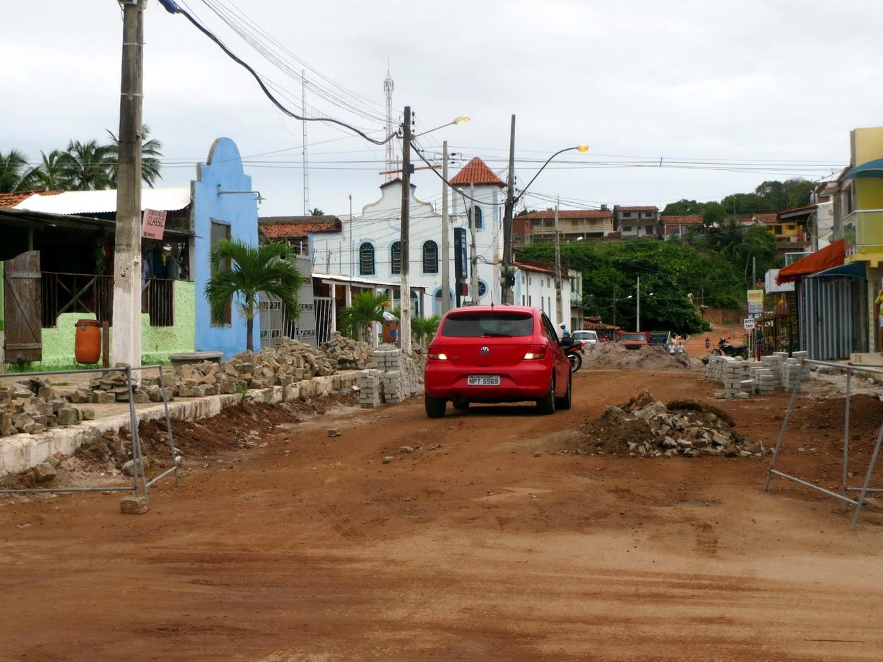48. Jacuma, petite ville du littoral en chantier, tout en couleurs et en travaux