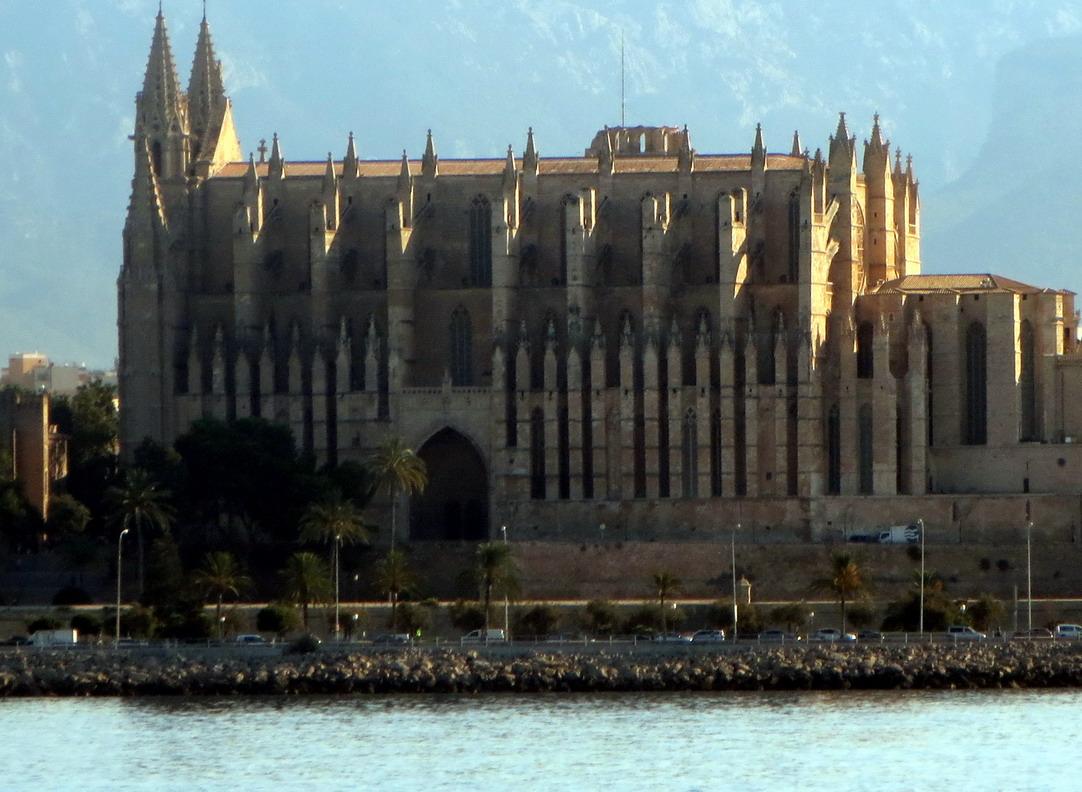 9. Palma, la cathédrale vue de la mer