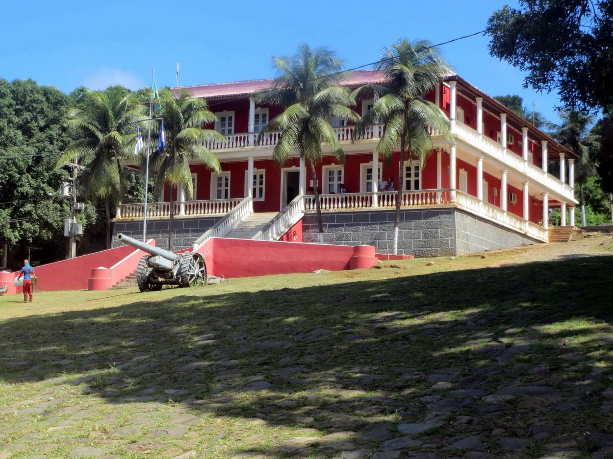 9. Vila dos Remédios, la grande ville, palacio de Sao Miguel