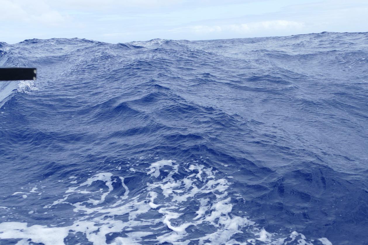 03. Parfois, de grosses vagues surgissent