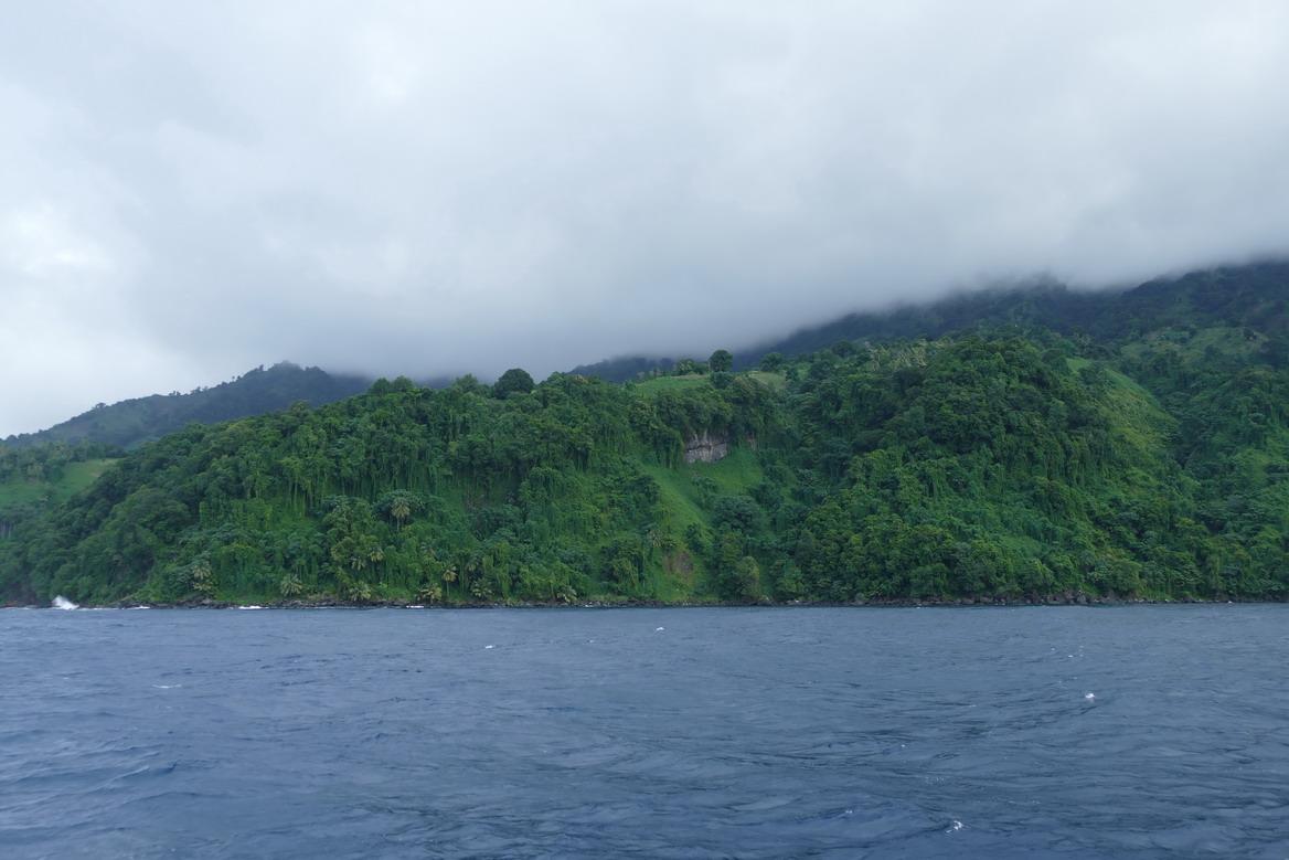 04. La pluie qui tombe sur la Soufrière verdit le paysage