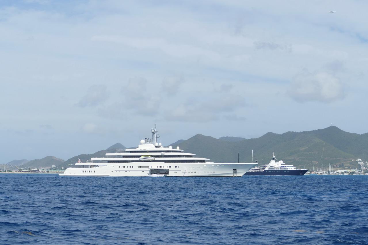 05. Sint Maarten, côte sud, des grands yachts au mouillage