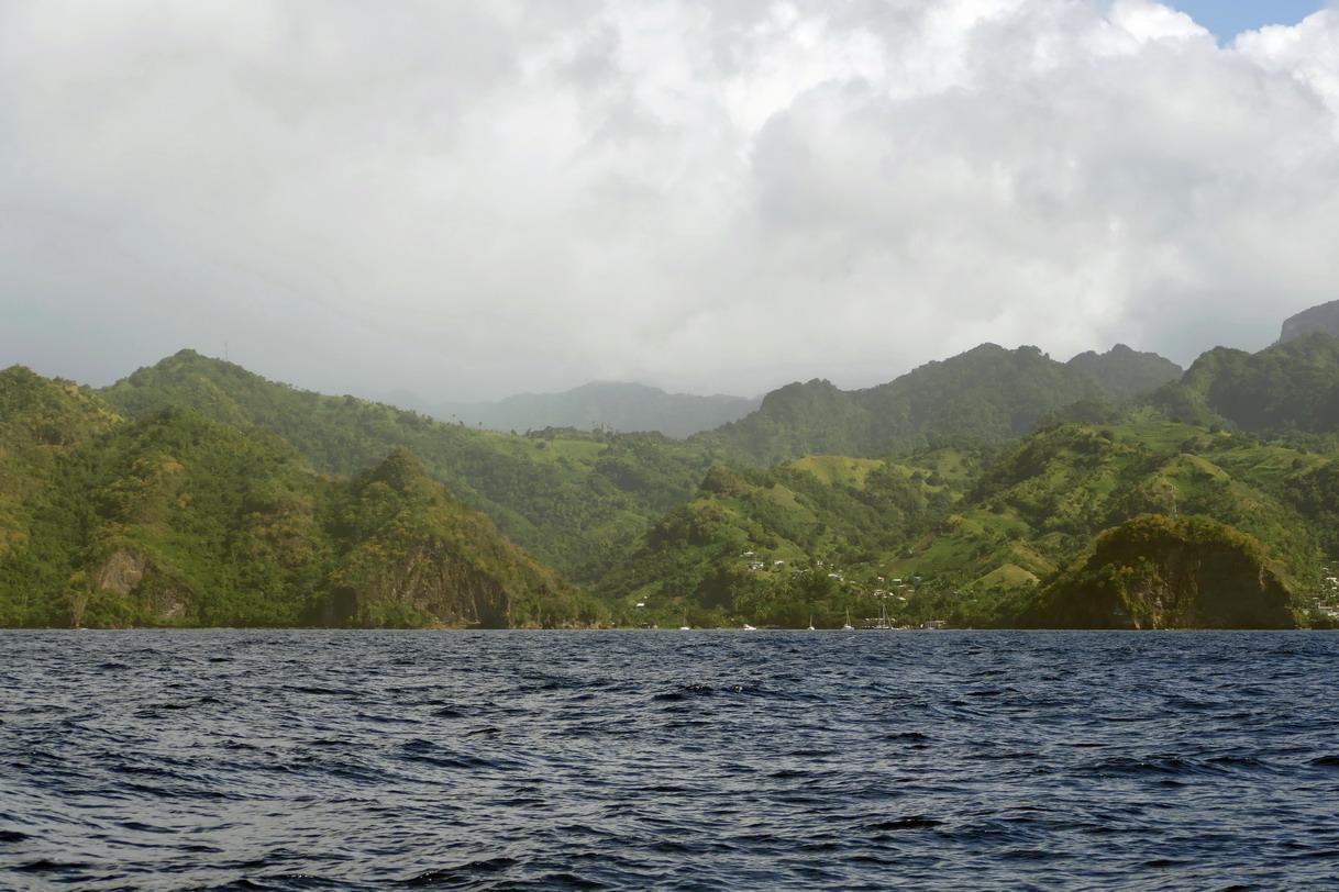 05. Wallilabou bay, où fut tourné Pirates des Caraïbes, vue du large