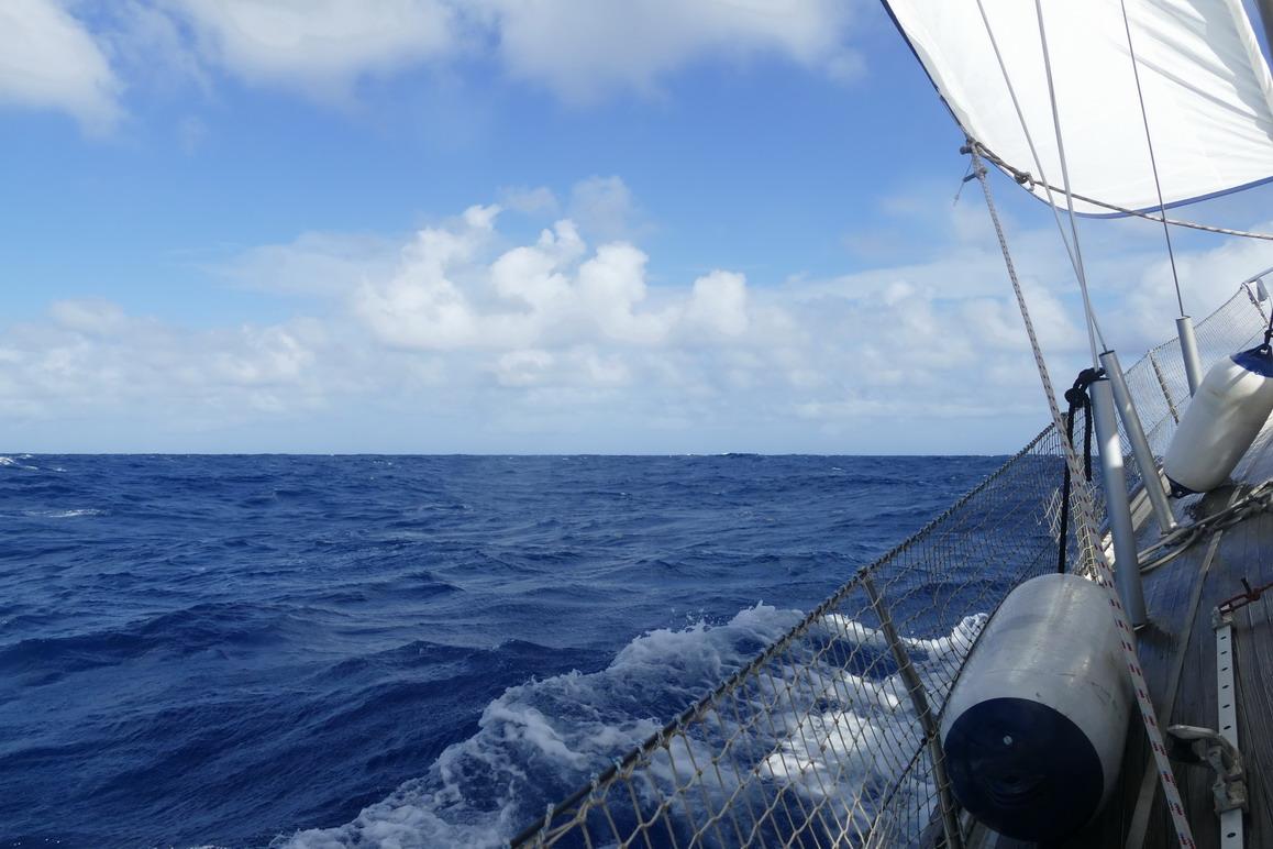 08. Sous le vent, on escalade