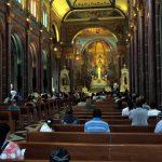 09. BH, l'église Sao José se remplit