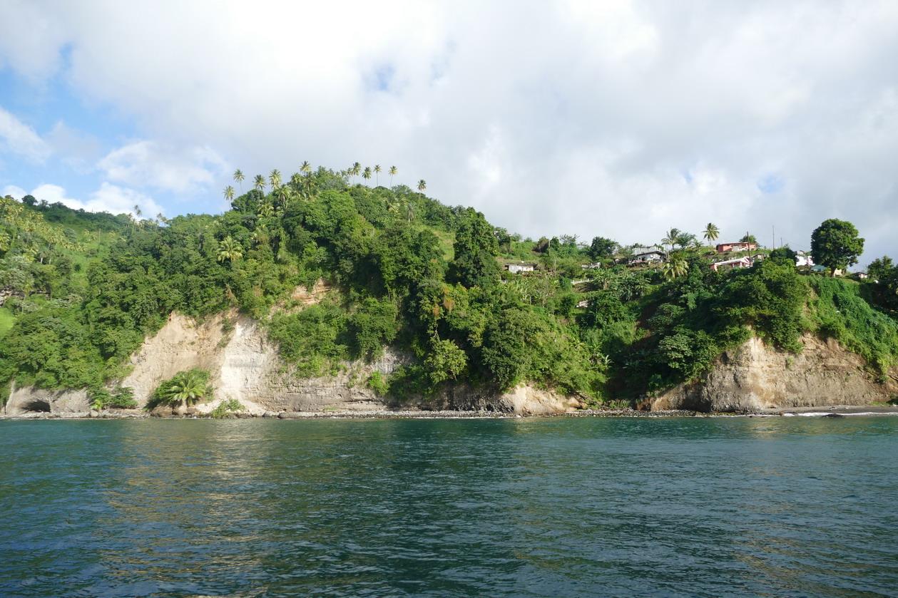 09. Chateaubelair bay, la côte orientale