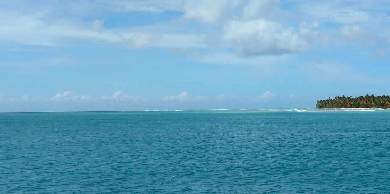 09. Pigeon point, on voit les vagues qui passent par dessus le reef et qui secouent parfois notre mouillage