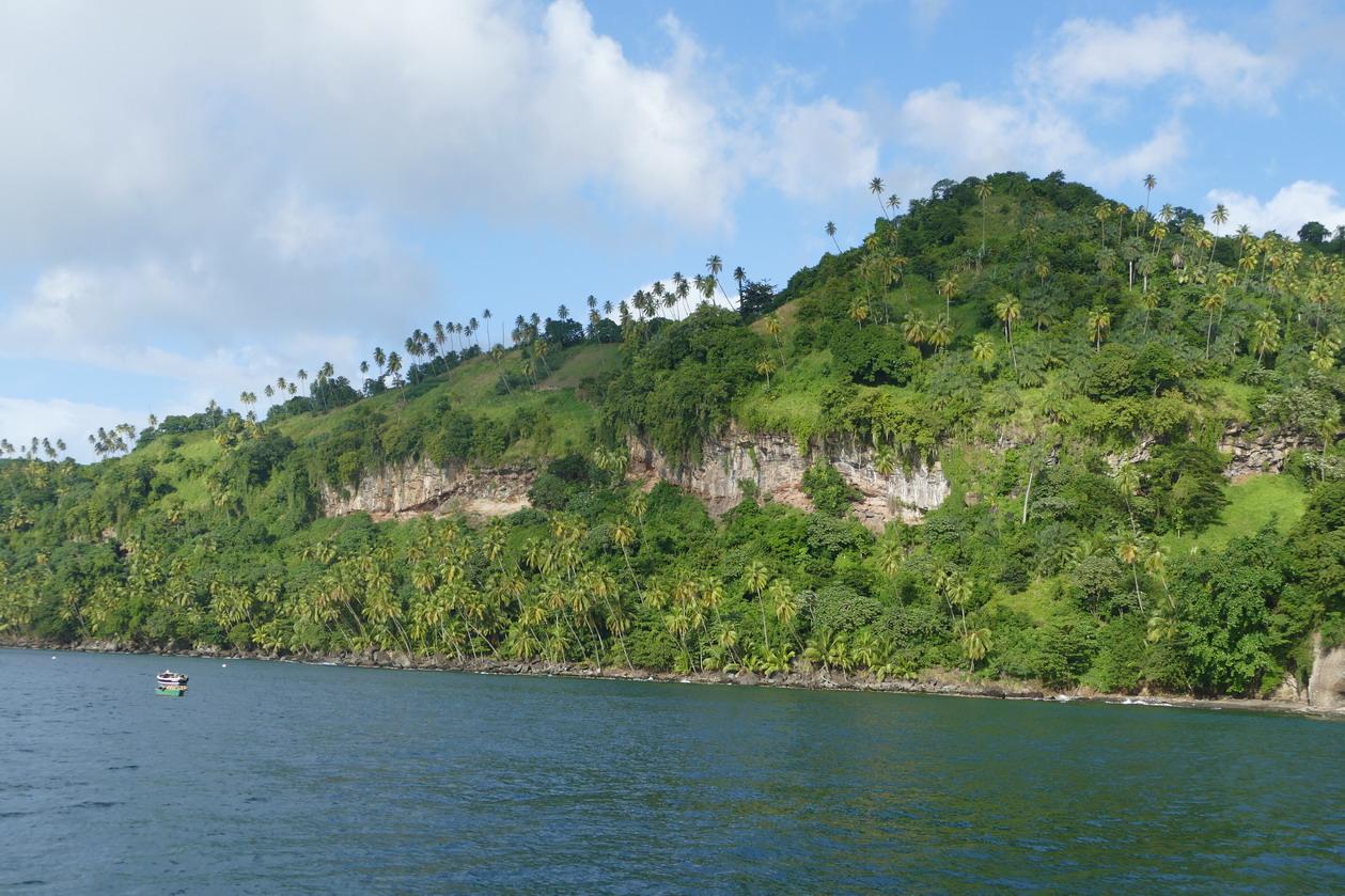 10. Chateaubelair bay, la côte orientale