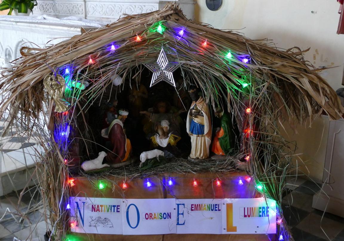 10. La Martinique, l'église de Ste Anne, la crèche de Noël