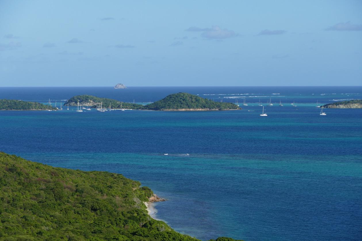 10. Vue plongeante sur les Tobago cays