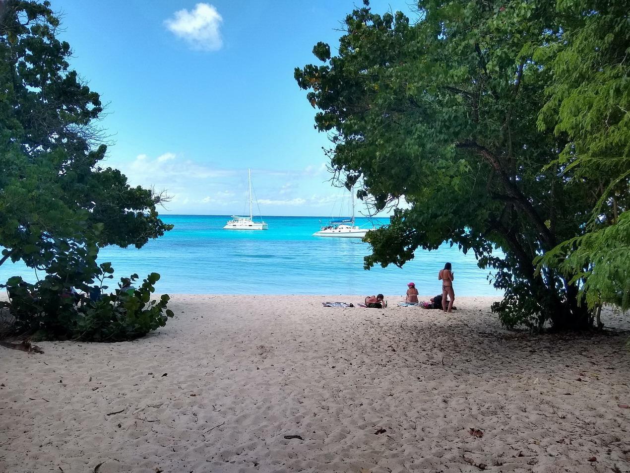 11. Marie-Galante, la plage de l'anse Canot