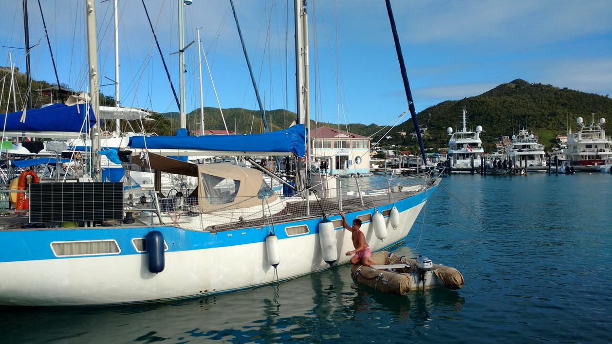 11. St Martin, Mindelo à la très chère marina Fort Louis, briquage de coque