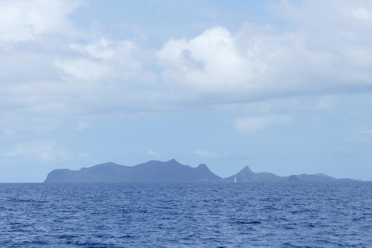 11. Union island avec son relief à bosses si particulier