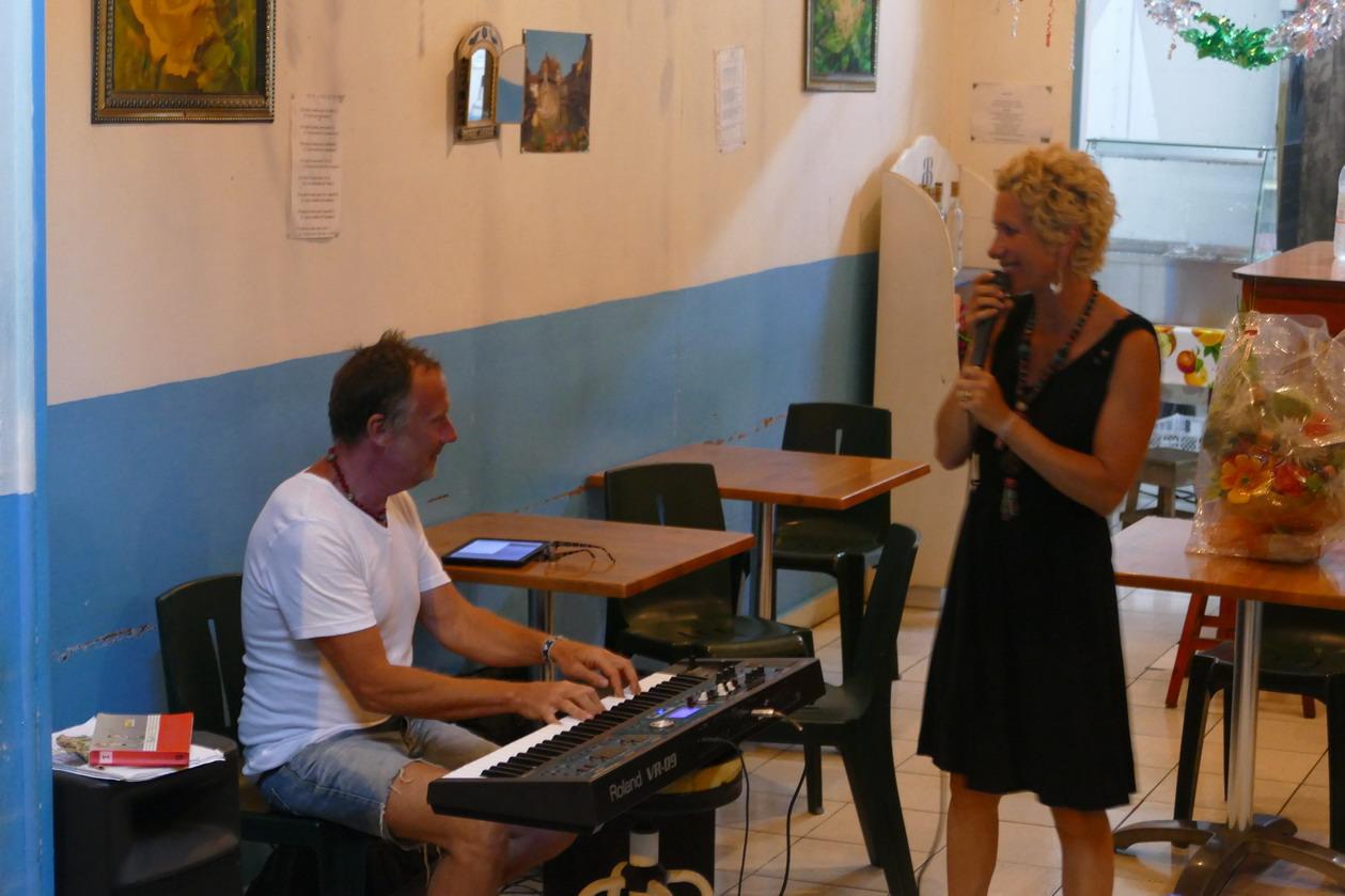 12. Boeuf musical chez Judith à Saint-Louis ; Delphine et Yves, les pros
